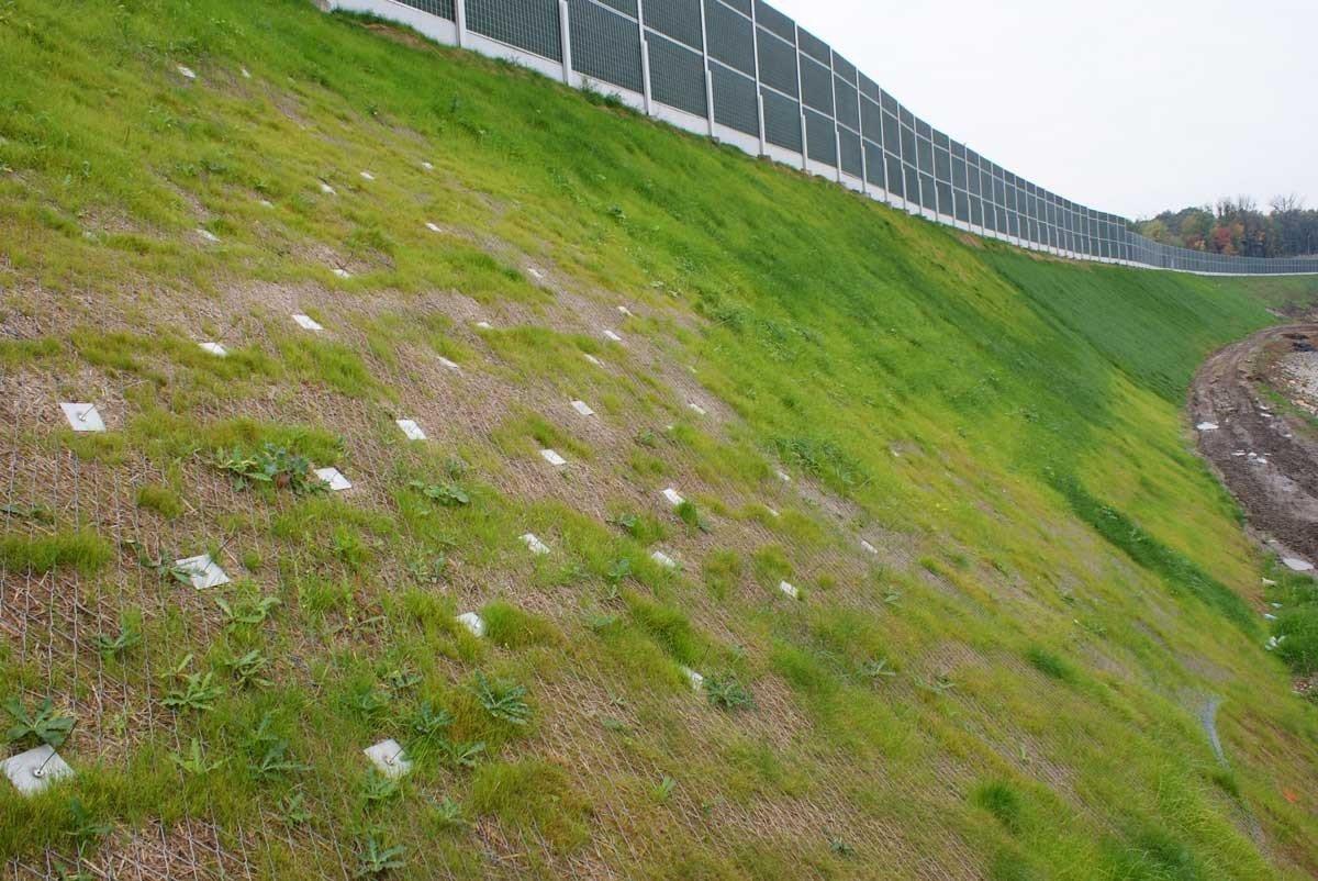 A1 Autostrada, Majiejow - Piekary, Poland - loadplates used to secure slope matting